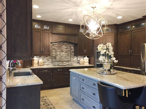 kitchen island with columns column your guide to kitchen islands current publishing 5205