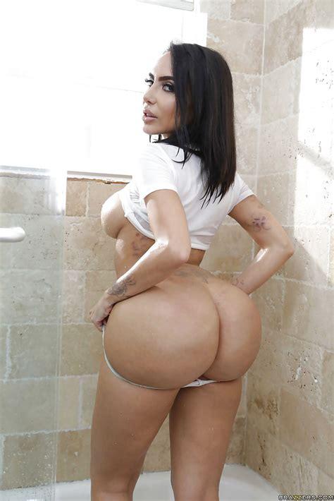Big Natural Boobs Latina
