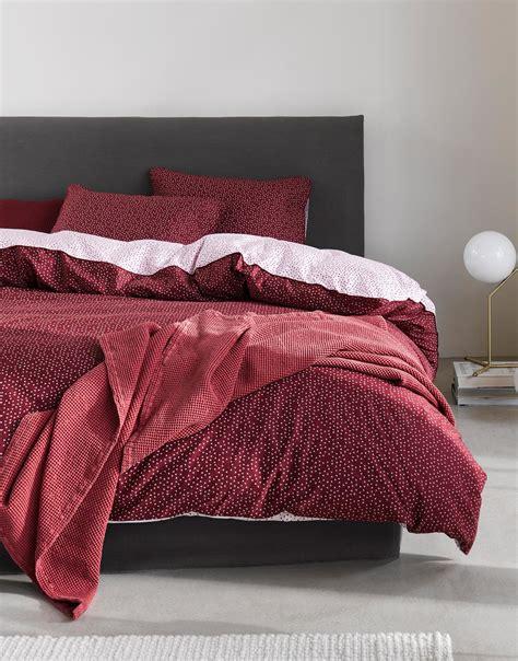 Pościel Svara czerwona 140 x 200 cm z poszewką na poduszkę 70 x 90 cm