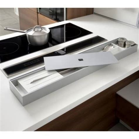 rangement poubelle cuisine rangement ustensiles sur plan de travail accessoires de cuisine