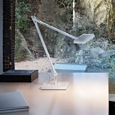 Tunable white, color temperature may be set at 2700k or 3200k. Kelvin LED Table Lamp by Flos — | ECC
