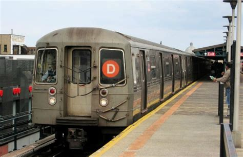 nyc subway train turns chaotic  woman unleashes