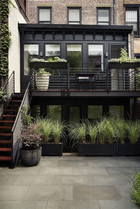 25 best ideas about townhouse garden on city
