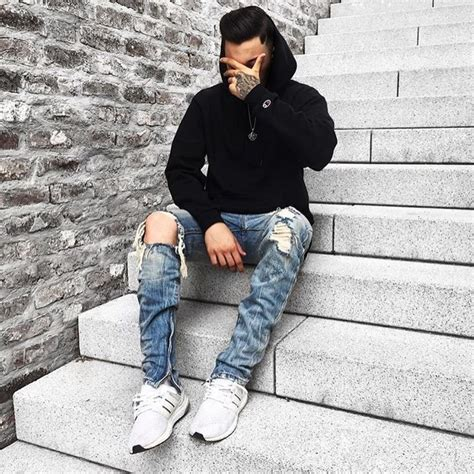 Men Hoodie Outfits-30 Ways for Guys to Wear a Hoodie Stylishly