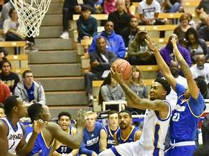 Men's basketball remains winless in conference