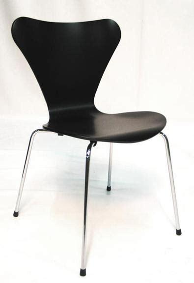 symbolique de la chaise chaise fourmi arne jacobsen objet déco déco