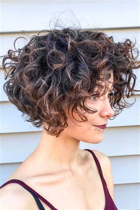 60 Chic Short Curly Hairstyles To Make You Look Cool