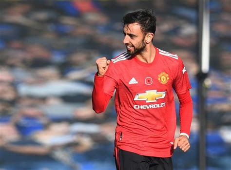 The portuguese playmaker received the ball on the edge of the everton box. Everton 1-3 Man Utd: 5 talking points as Bruno Fernandes ...