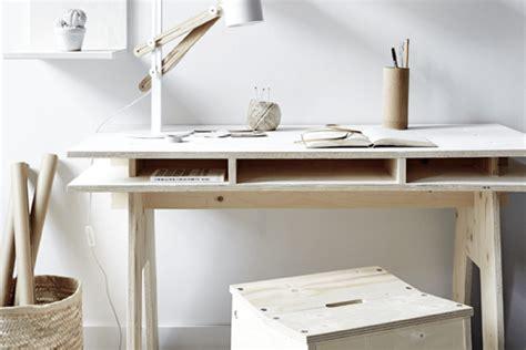 fabriquer un bureau pas cher diy fabriquer un bureau design et pas cher tout en bois decocrush