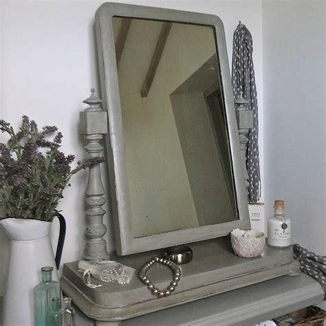 Vanity Table With Lighted Mirror Uk by Looking Vintage Vanity Mirror Makeup Mirror On Stand