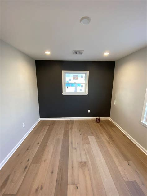 sherwin williams crushed ice peppercorn accent wall