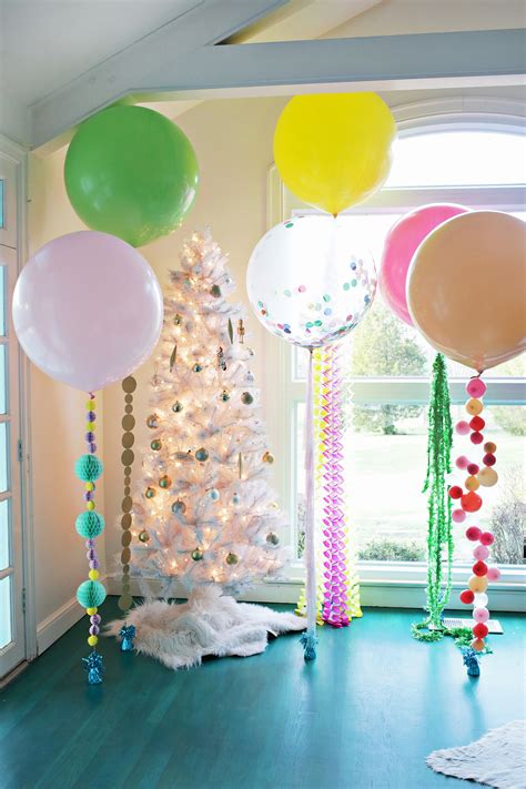 Decorating Ideas With Balloons by Festive Diy Balloon Tails Clever And Crafty Balloon