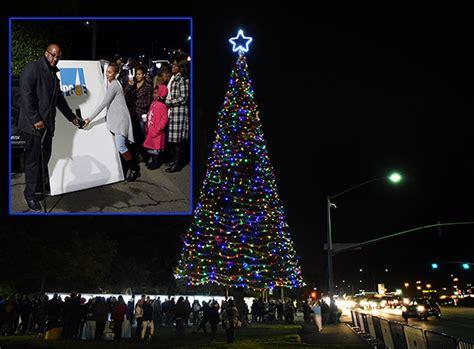 tree of lights thru dec31