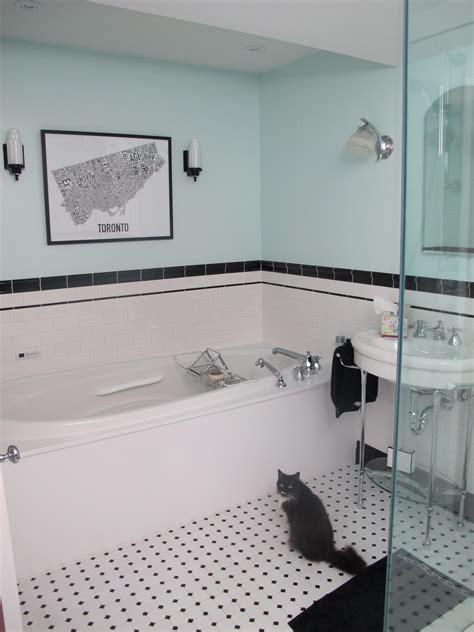 Black And White Bathroom Art 2017  Grasscloth Wallpaper