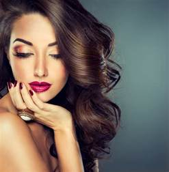 4 Reasons Why Women Wear Makeup (For Those Who Just Don't ...