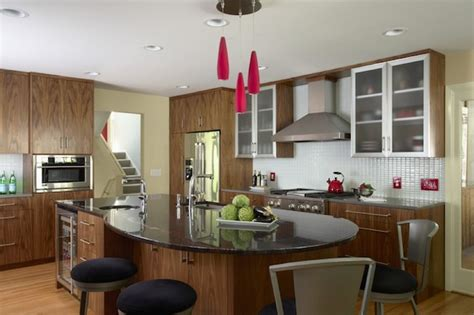 enhancing  kitchen dining area    table