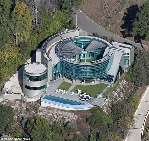 justin bieber crams into his new 6 000sqft beverly home for 35k per month after