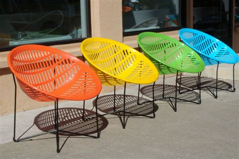 chaises exterieur contemporary outdoor furniture with simple design to