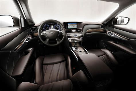 Ward's Auto Rates 2011 Infiniti M56 For Best Luxury Interior