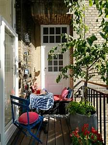 Balkongestaltung Kleiner Balkon : wundersch ner balkon deko ideen zur inspiration ~ Frokenaadalensverden.com Haus und Dekorationen