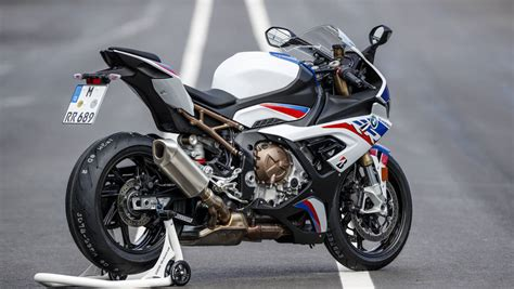S 1000 Rr by 2019 Bmw S 1000 Rr Ride Review Overdrive
