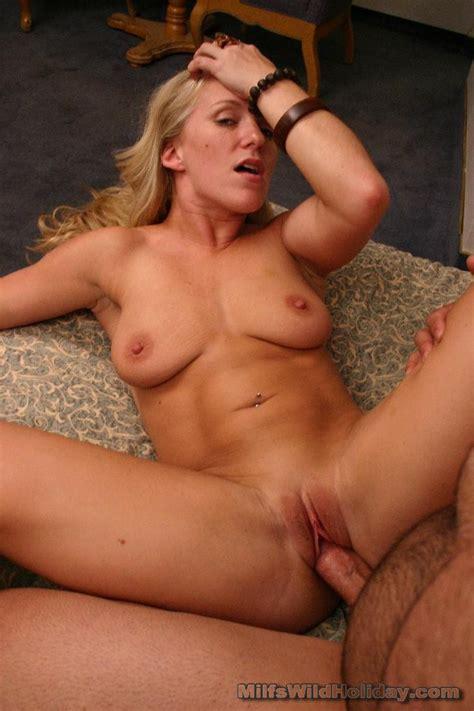 Ultra Hot Mom Hungrily Sucking A Fat Black Dick Xxx Milfs