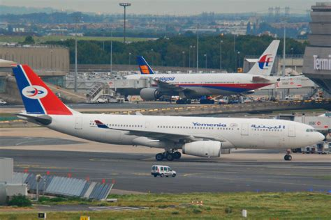 avion de yemenia interdit de decollage  roissy air