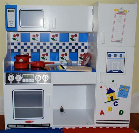 amazoncom melissa doug classic deluxe kitchen melissa
