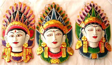 beautiful wood designs  indonesian mask wholesaler