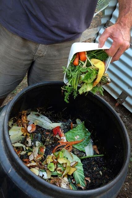 conheca  processo de compostagem caseira fragmaq