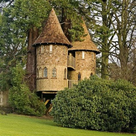 pretty tree houses beautiful tree houses damn cool pictures