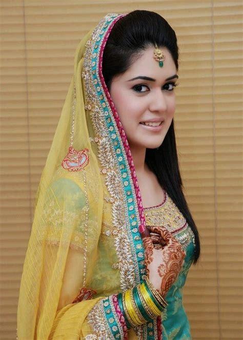 stylish pakistani mehndi dresses collection  season
