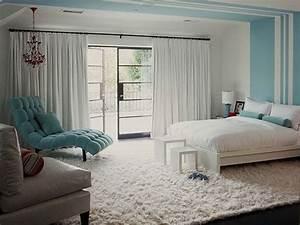 Bett An Der Decke : streifen an der decke streichen und was dabei wichtig ist decoration schlafzimmer ~ Frokenaadalensverden.com Haus und Dekorationen