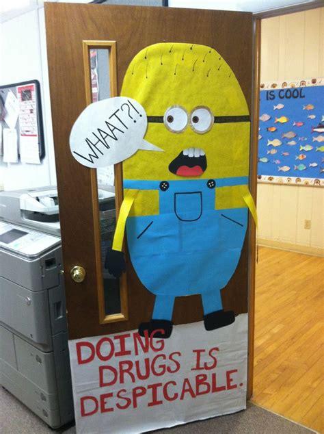school door decorating contest rules school counselor