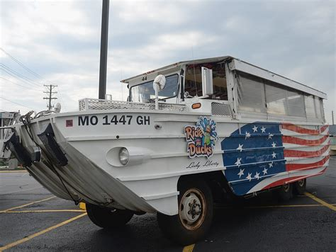 Duck Boat Uscg by Inspector Says He Warned Duck Boat Company Of Design Flaws