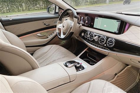 It is available in 3 colors and automatic transmission option in the indonesia. Diep Lam Anh resold Mercedes-Maybach S450 for 6.8 billion, do not forget to remind the fortune ...