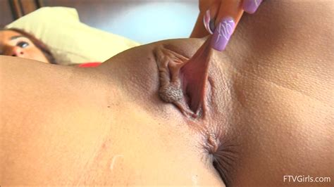 Pulled Pussy Lips Porn Pic Eporner