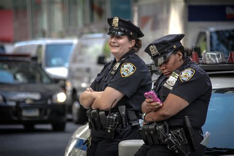New York Lawmakers Want Local Cops To Get Warrant Before