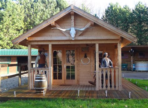 un chalet en bois brut livr 233 cl 233 en transform 233 en ranch