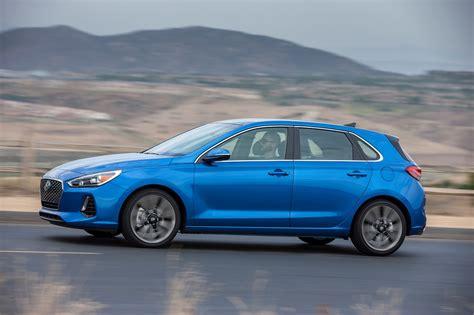 2018 Hyundai Elantra Reviews and Rating | Motor Trend