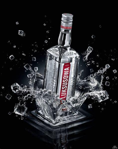 Creative Action Photography 11 Amazing Beverage Images
