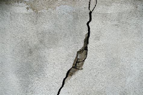 How Tackle Foundation Crack Repair Eieihome