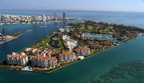 Boat Rental Chicago Suburbs by Island Fisher Island Cruise Y Charter Miami