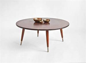 Wood round modern coffee table for Modern circular coffee table