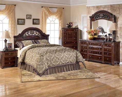 Ashley Bedroom Furniture Set