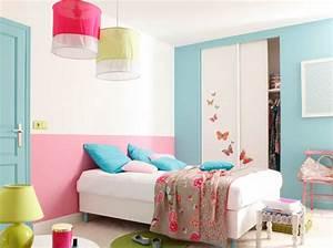 peinture 15 idees sympa pour la chambre de vos enfants With déco chambre bébé pas cher avec coussin tapis de fleurs