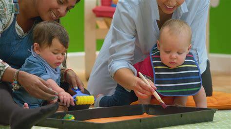 The Baby Club: Paintbrush - BBC Tiny Happy People