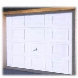 les portes de garage basculantes comptoir des bois With securisation porte garage basculante