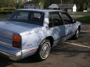 1988 Oldsmobile Delta 88 Royale Brougham