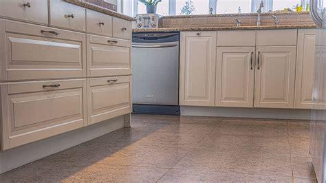 cuisine plancher bois plancher cuisine bois grce ses diffrents motifs formes et
